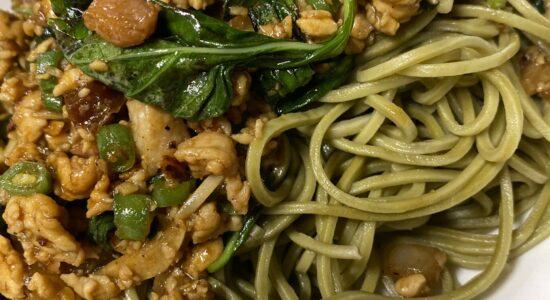 Mince Chicken Basil Leaf & Green Tea Noodles